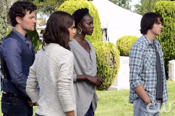 "The Messengers -- ""Path to Paradise"" -- Image Number: MES103a_0193.jpg -- Pictured (L-R): Jon Fletcher as Joshua Jr., Sofia Black-D'Elia as Erin, Anna Diop as Rose and Joel Courtney a Peter -- Photo: Ursula Coyote/The CW -- © 2015 The CW Network, LLC. All rights reserved."