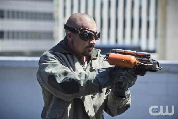 "The Flash -- ""The Man Who Saved Central City"" -- Image FLA201c_0053b.jpg -- Pictured: Dominic Purcell as Heat Wave -- Photo: Cate Cameron /The CW -- © 2015 The CW Network, LLC. All rights reserved."