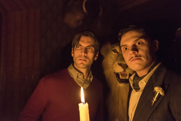 "AMERICAN HORROR STORY -- ""The Ten Commandments Killer"" Episode 508 (Airs Wednesday, December 2, 10:00 pm/ep) Pictured: (l-r) Wes Bentley as John Lowe, Evan Peters as Mr. March. CR: Prashant Gupta/FX"