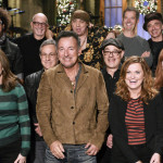 Tina Fey and Amy Poehler will cohost 'SNL' this week with musical guest Bruce Springsteen and the E Street Band