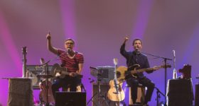 Flight of the Conchords: Live at the London Apollo debuts Oct. 6 on HBO